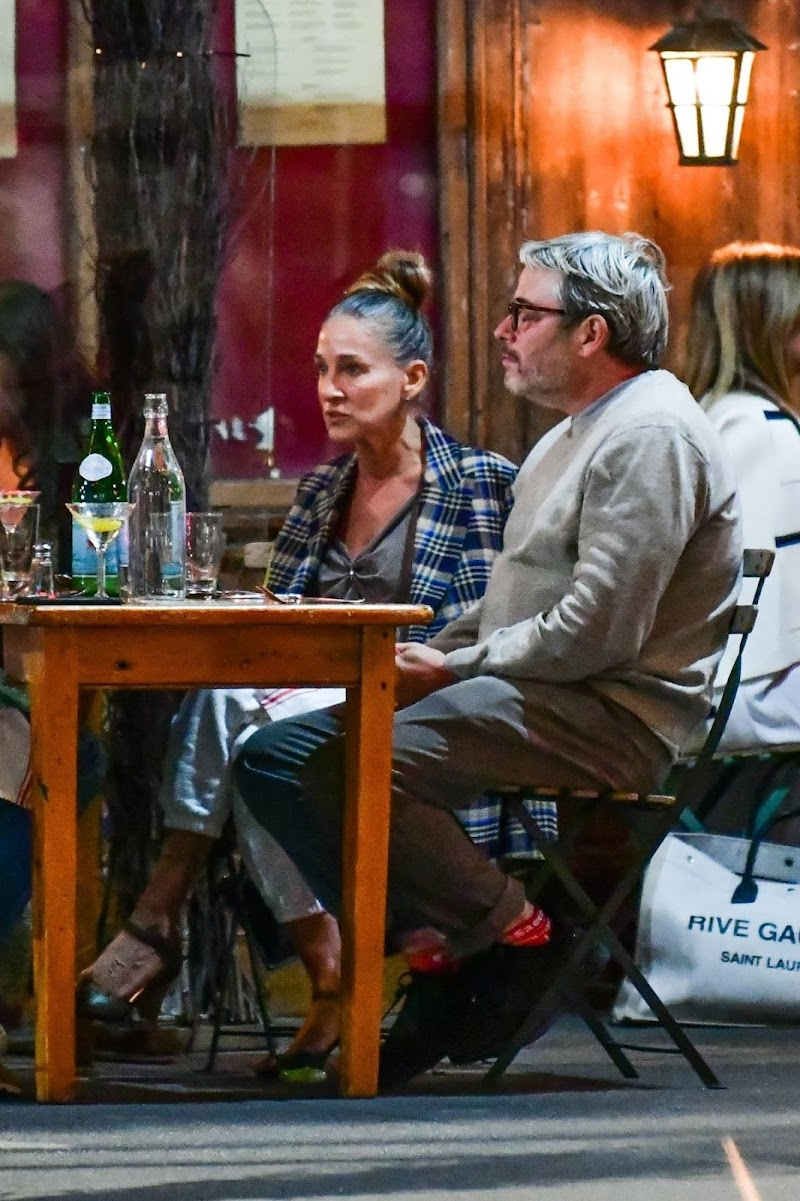Sarah Jessica Parker Out for Dinner with Friends in New York 16 Sep -2020