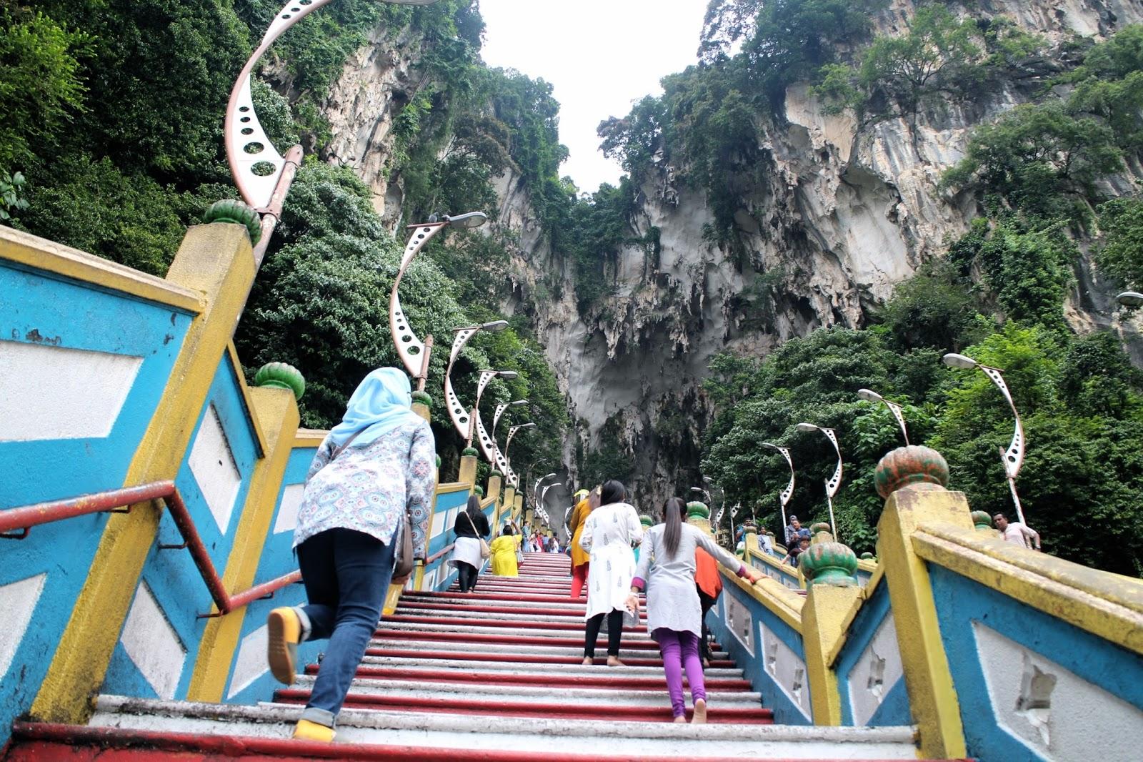 Batu Cave steps - Malaysia | The Dress Diaries