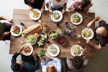 El síndrome de la mesa de comedor durante la infancia sorda