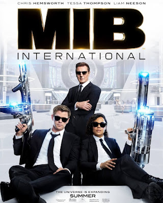 men-in-black-international-poster-Chris-Hemsworth-Tessa-Thompson-Liam-Neeson-Wearing Sunglasses