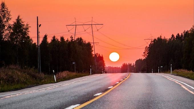 Papel de Parede Pôr do Sol na Estrada
