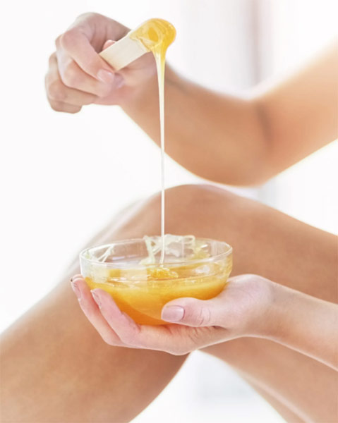 إزالة الشعر بالشمع في المنزل: نصائح لإزالة الشعر بالشمع في المنزل
