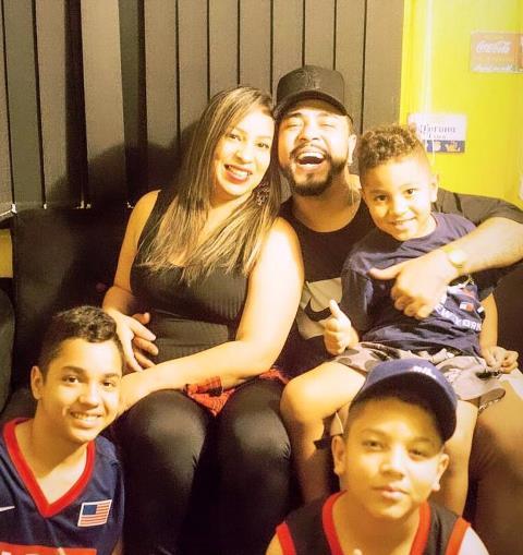 Família de Biron: a esposa Katia Rodrigues com os filhos: Guilherme Vinicius, Endrell Raphael e Joao Lucas