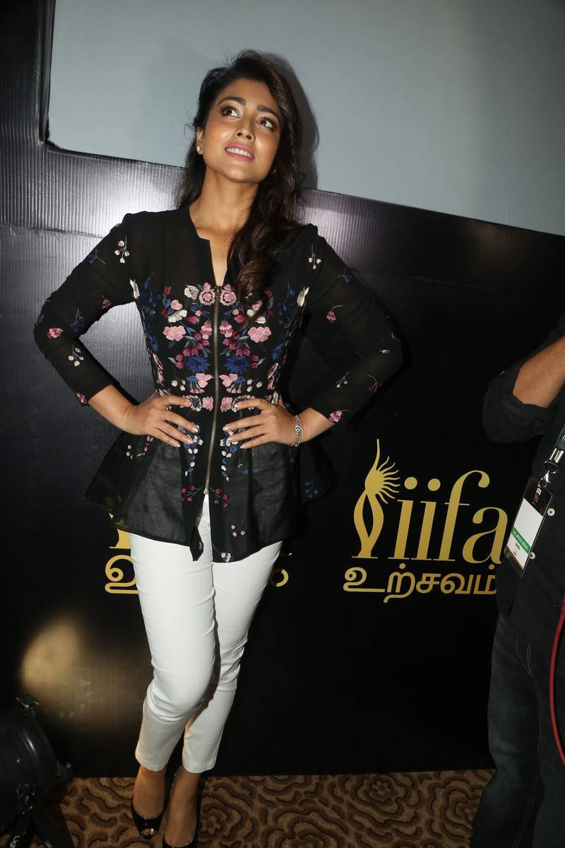 Shriya Saran Without Makeup Photos at IIFA Utsavam Awards