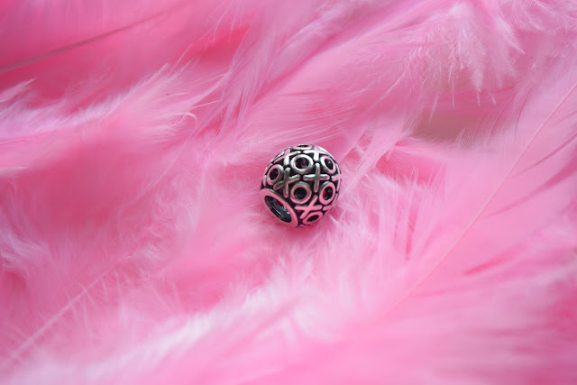 http://www.soufeel.com/xoxo-hugs-and-kisses-charm-925-sterling-silver.html
