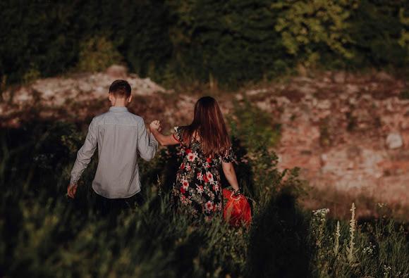 Para na luzie i piękne otoczenie Góry Marcina - sesja narzeczeńska Doroty i Grzegorza
