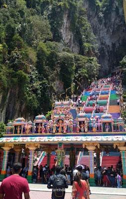 Batu Caves, Renovasi Batu Caves, Kontroversi Tangga Batu Caves, Tangga Batu Caves Warna-Warni,