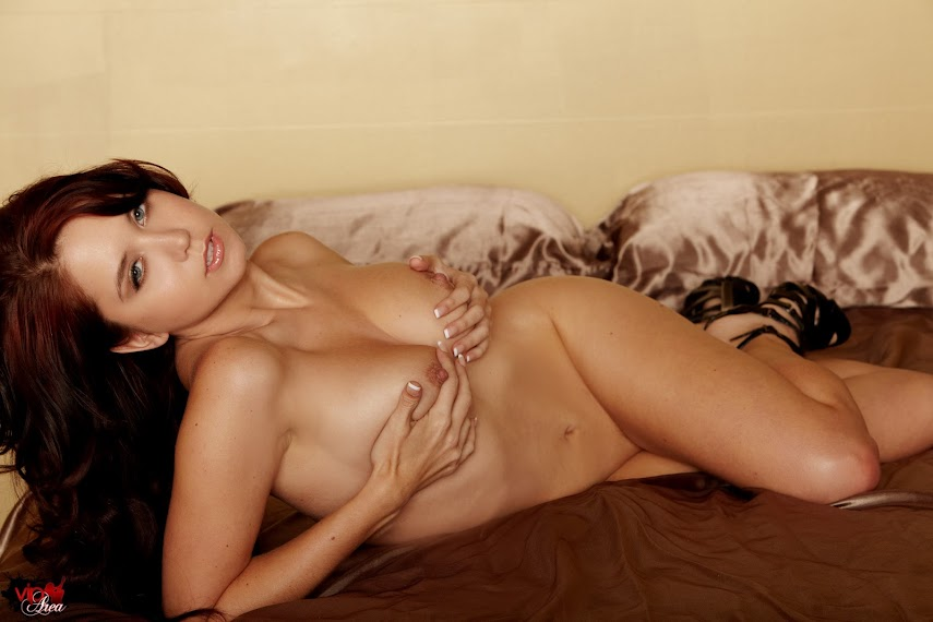 viparea 2014.10.20 - Chrissy Marie - Chrissy Cat x87 1333x2000