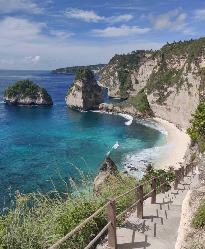 Daya Tarik Diamond Beach Bali