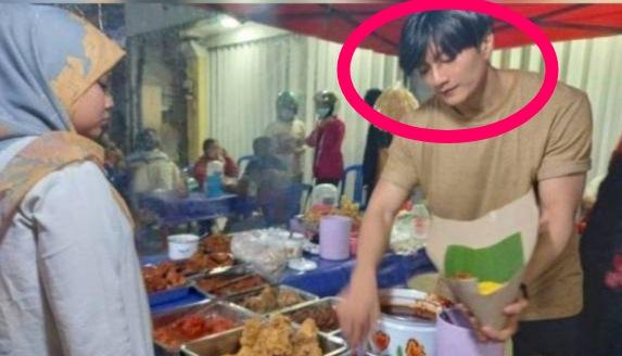 (Foto) Gara-gara wajah seperti Pelakon Korea Lee Min Hoo, nasi kuning ibunya habis setiap hari