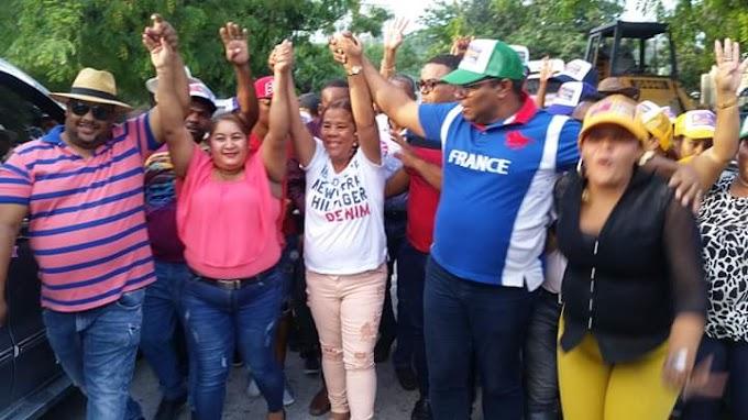 Diputada Ñiñin va a Pueblo Nuevo, Cabral y Salinas, recibe respaldo contundente de cara a las primarias del 6 de Octubre