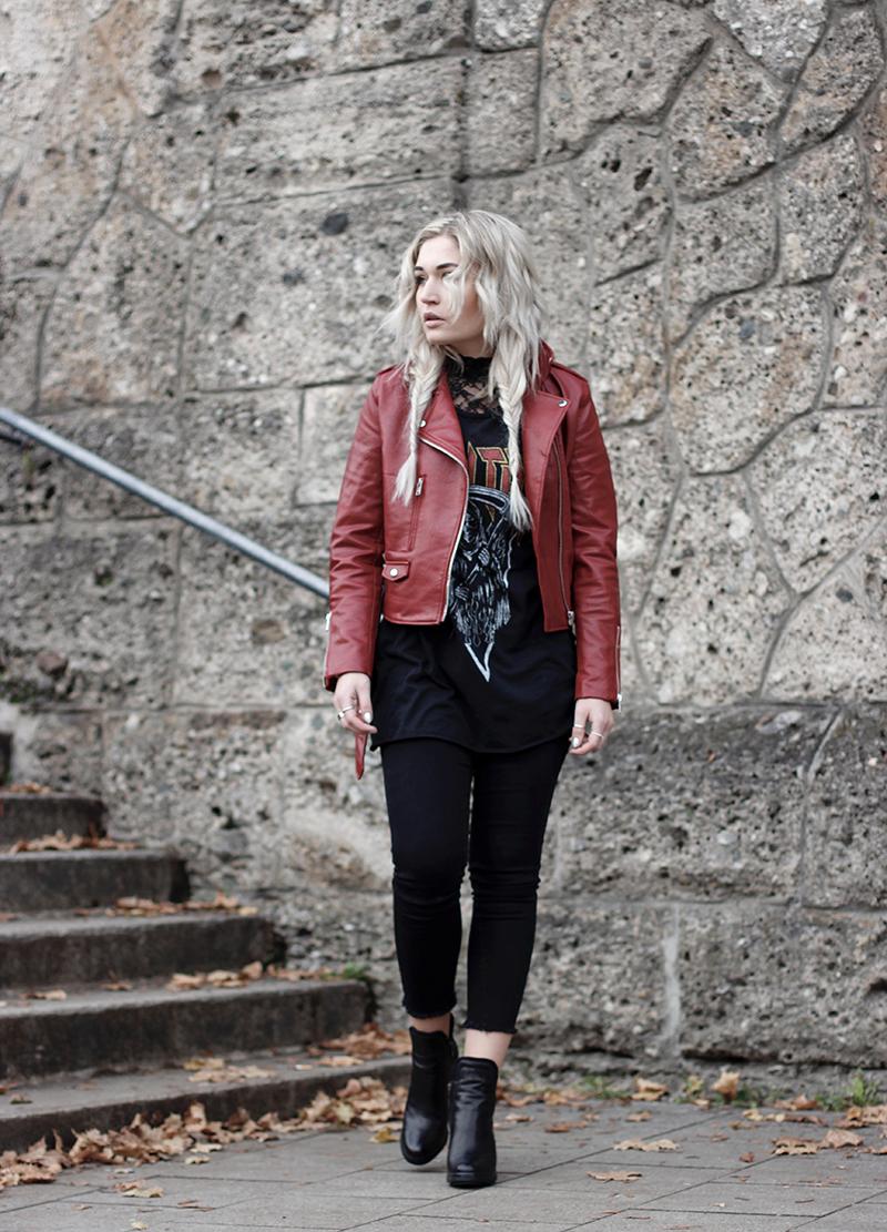 OOTD-Outfit-Style-Streetstyle-Inspiration-Mode-Modeblog-Fashionblog-Streetstyle-Photography-Bandshirt-Lederjacke-Lace-Fashion-Lauralamode-Munich-Deutschland
