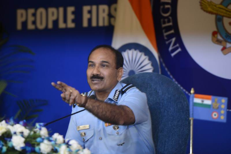 IAF Chief meet PM Modi, brief him on currency transportation