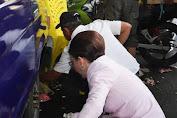 Tetty Paruntu Frangky Wongkar Kompak Memungut Sampah Saat Pawai Berlangsung
