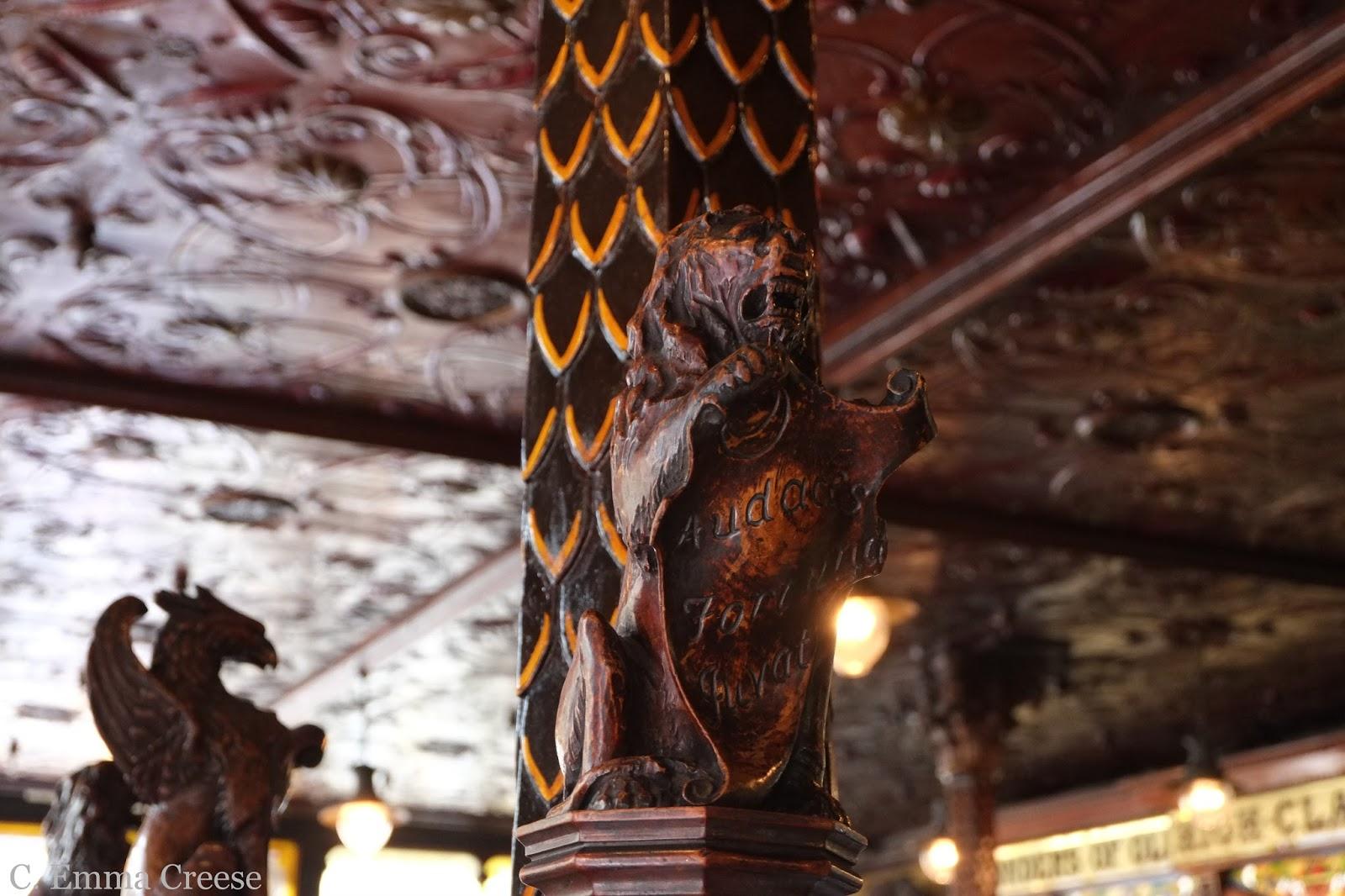 Crown Pub Belfast Northern Ireland Adventures of a London Kiwi