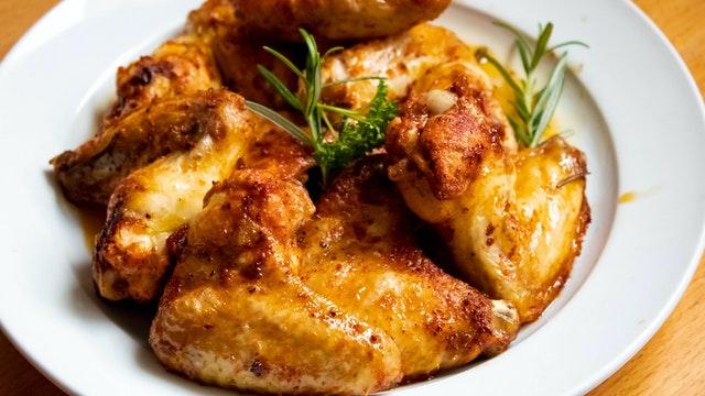 كم نسبة البروتين في أجنحة الدجاج 100 جرام