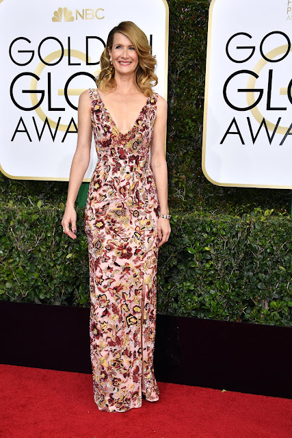 Laura Dern Wear Floral Dress At 2017 Golden Globes