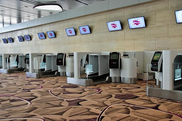 khởi hành tại sân bay Changi Singapore với hệ thống tự phục vụ