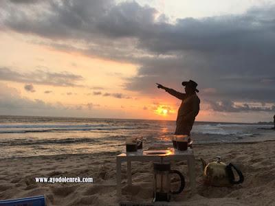 Berburu Sunset Di Pantai Ngudel, Malang 2018