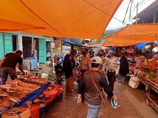 Kapolsek Alla Polres Enrekang Gelar Patroli Dialogis Ke Pasar Sudu,  Ini yang Disampaikan