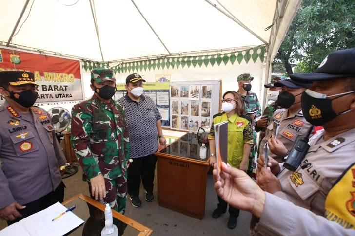Kapolri, Panglima TNI dan Menkes Tinjau Rusun Nagrak dan PPKM di Semper Barat