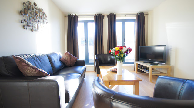 Crompton Court Serviced Apartments are furnished to a high standard. Each comes with a fully fitted kitchen, dining area and comfortable living area featuring LCD television, DVD and music player.
