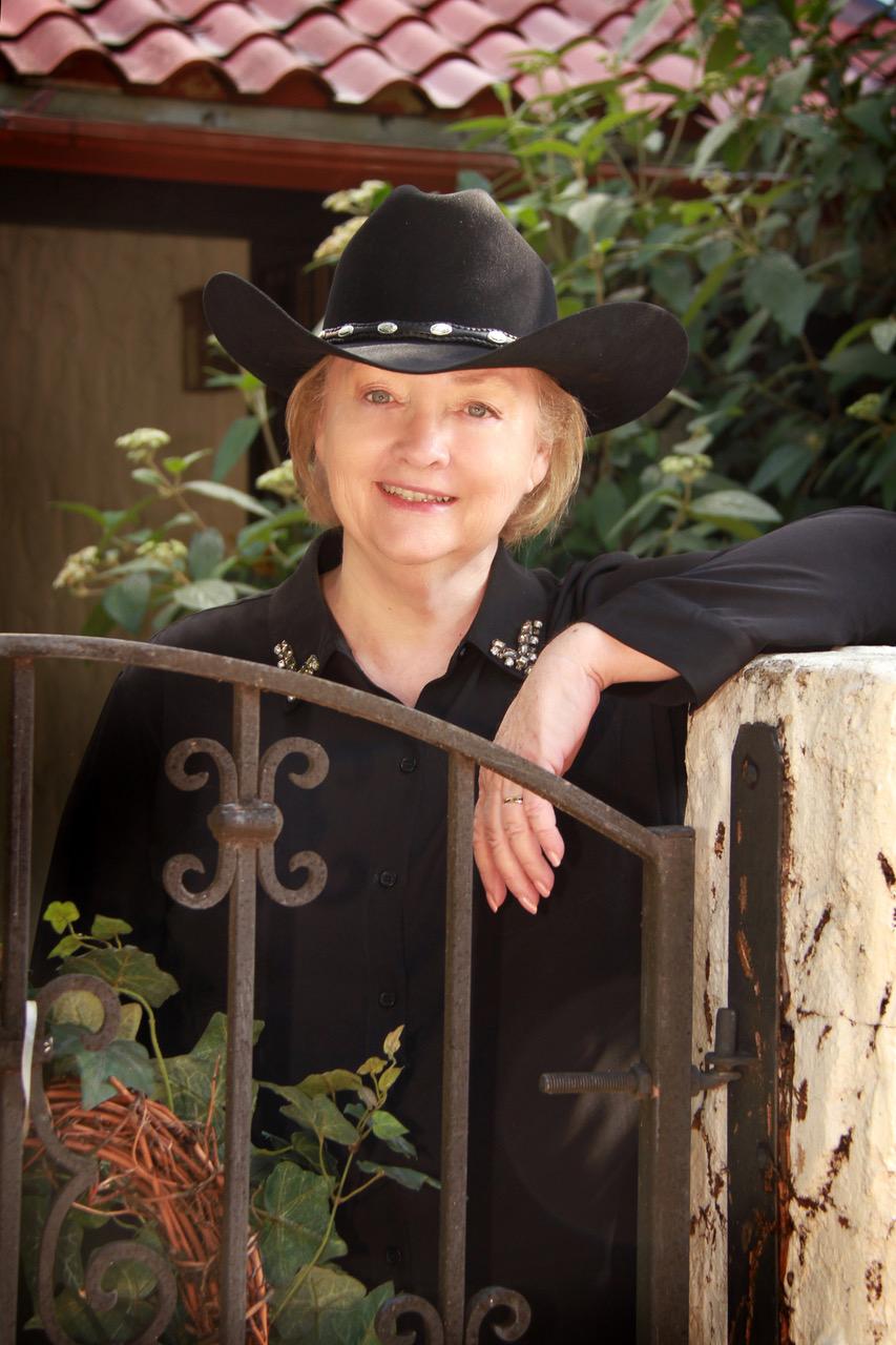 Jodi Thomas Author Photo
