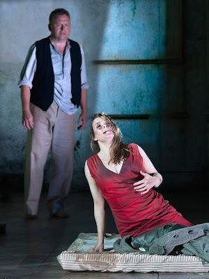 Puccini: Manon Lescaut - Peter Auty, Elin Pritchard  chorus - The Grange Festival (Photo Simon Annand)