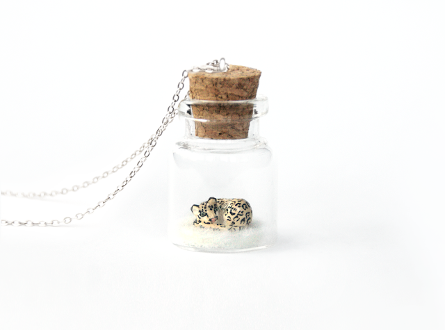 https://www.etsy.com/uk/listing/743220045/snow-leopard-necklace-ornament-wildlife?ref=shop_home_active_7&frs=1