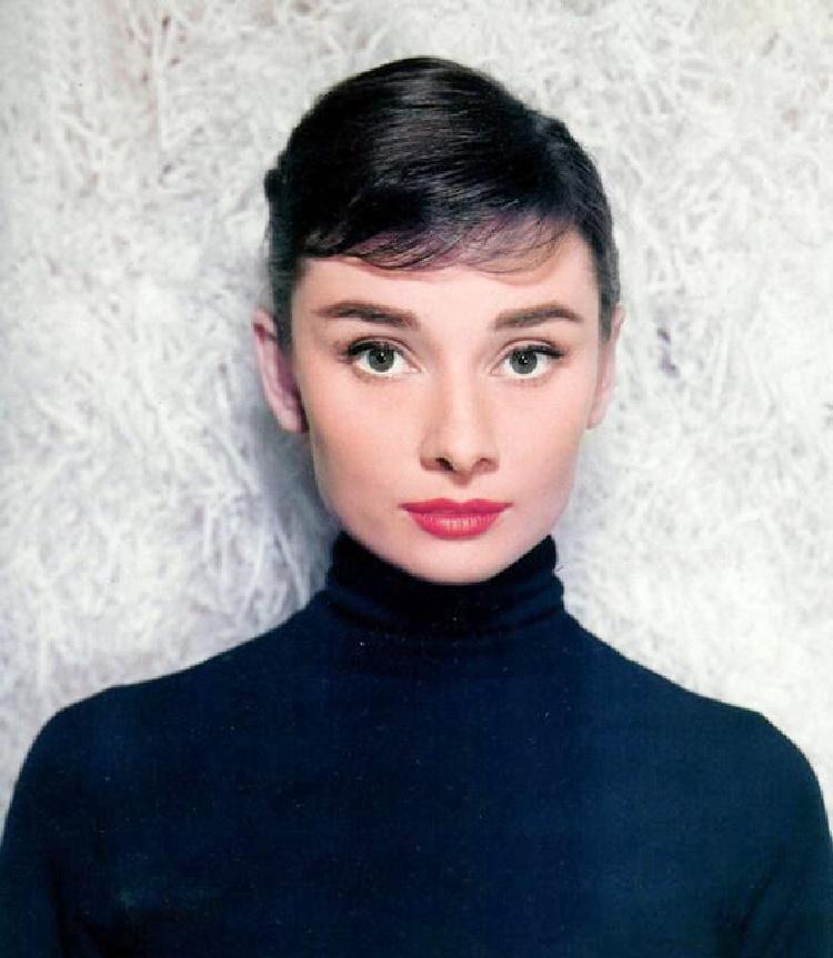 A Vintage, Vintage Blogger, Classic Film Blog, Audrey Hepburn Blog, Retro Lifestyle Blog, Old Hollywood Blog. Way to Remember Audrey
