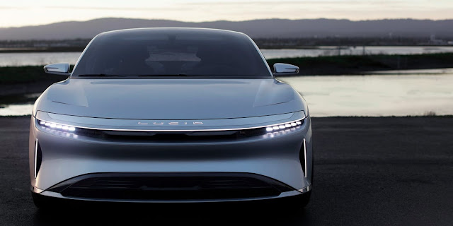 auto lucid air 2021 color gris
