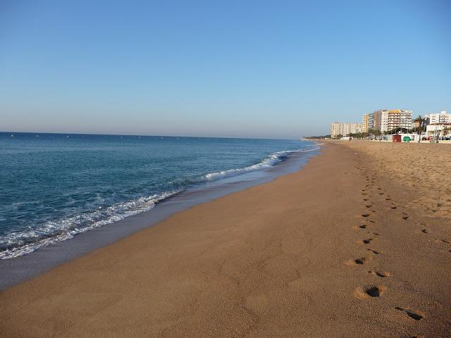 Пляж города Бланеса утром