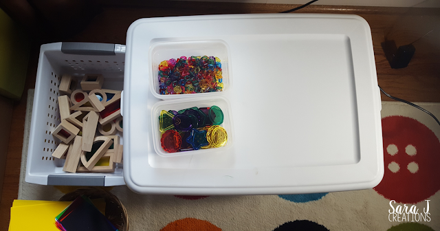 DIY light table with ideas for preschoolers. This would even be perfect for kindergarten.