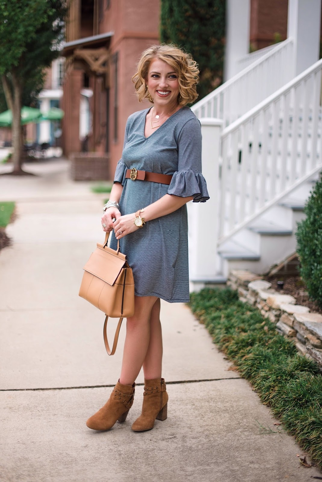 Transitioning into fall outfit - Click through to see more on Something Delightful Blog!