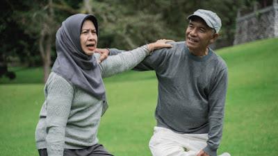 Kiat untuk tetap sehat dan meningkatkan umur panjang di usia 60-an