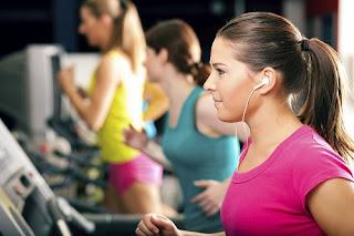 Gambar - 7 Manfaat Mendengarkan Musik Saat Berolahraga
