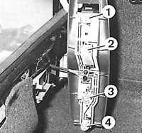 В каждом узле держателя расположены четыре лампочки: лампочка сигнала торможения