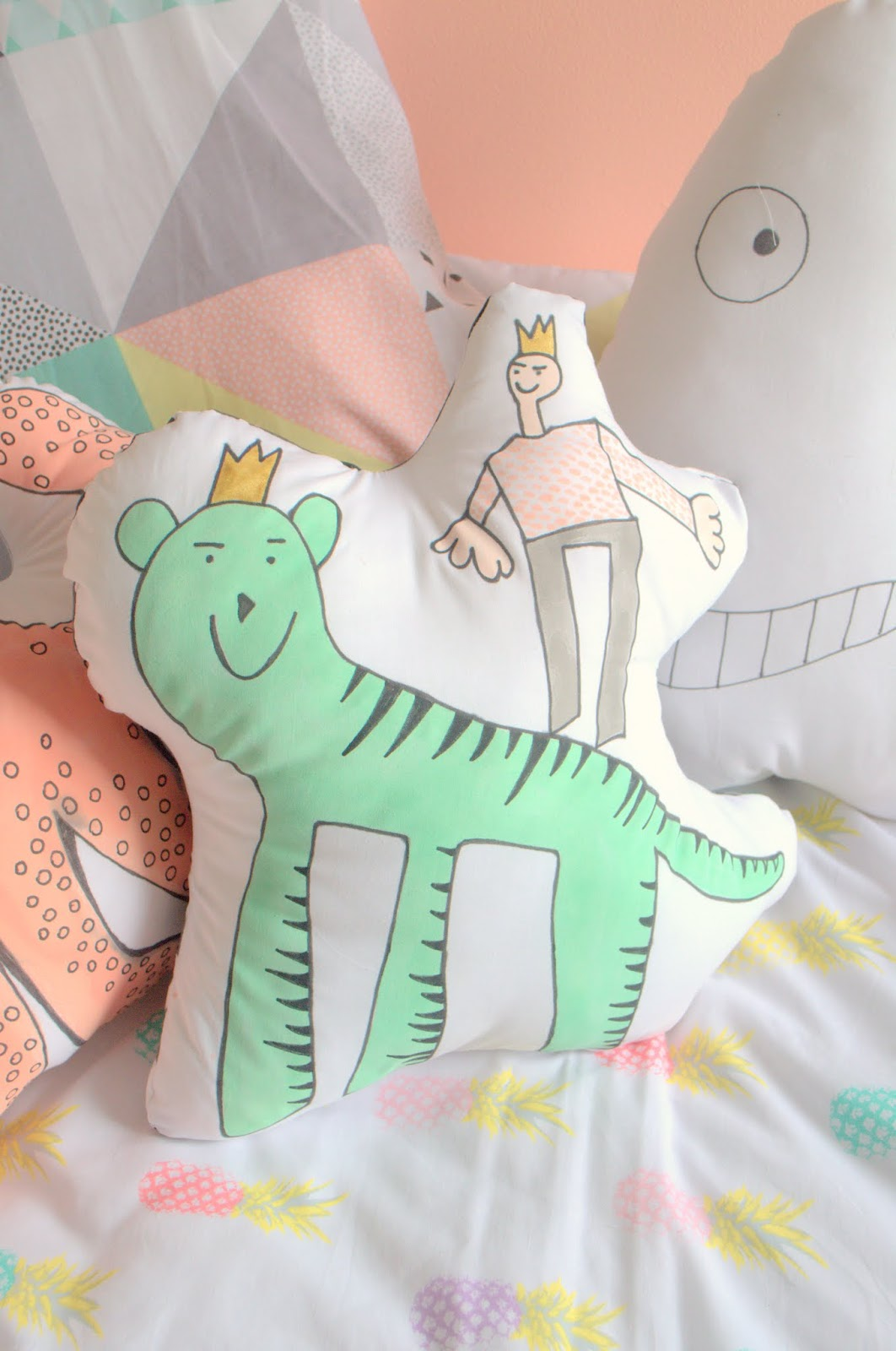 kids art cushion diy