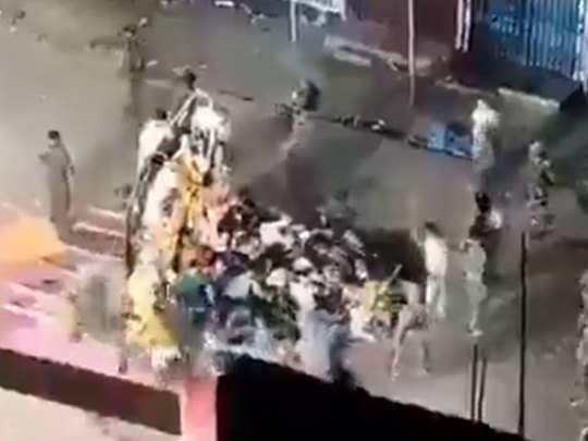 बिहार: मुंगेर में दुर्गा प्रतिमा विसर्जन के दौरान हुई गोलीबारी, पथराव में एक की मौत, एक घायल