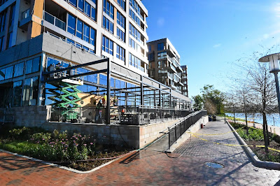 Riverpoint Apartments, Buzzard Point, Akridge, CBG construction, Western Development, Antunovich Associates, retail for lease Washington DC, Orr Partners