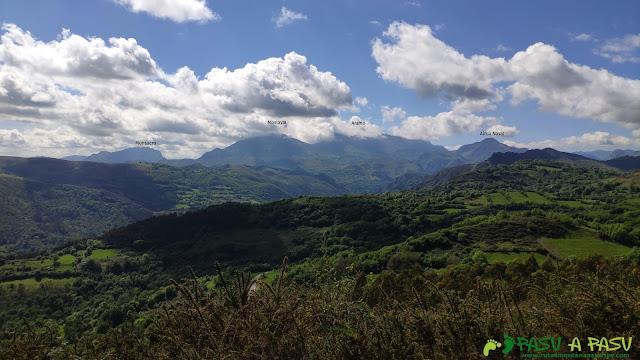 Vista hacia el Aramo desde el Pico Lloe