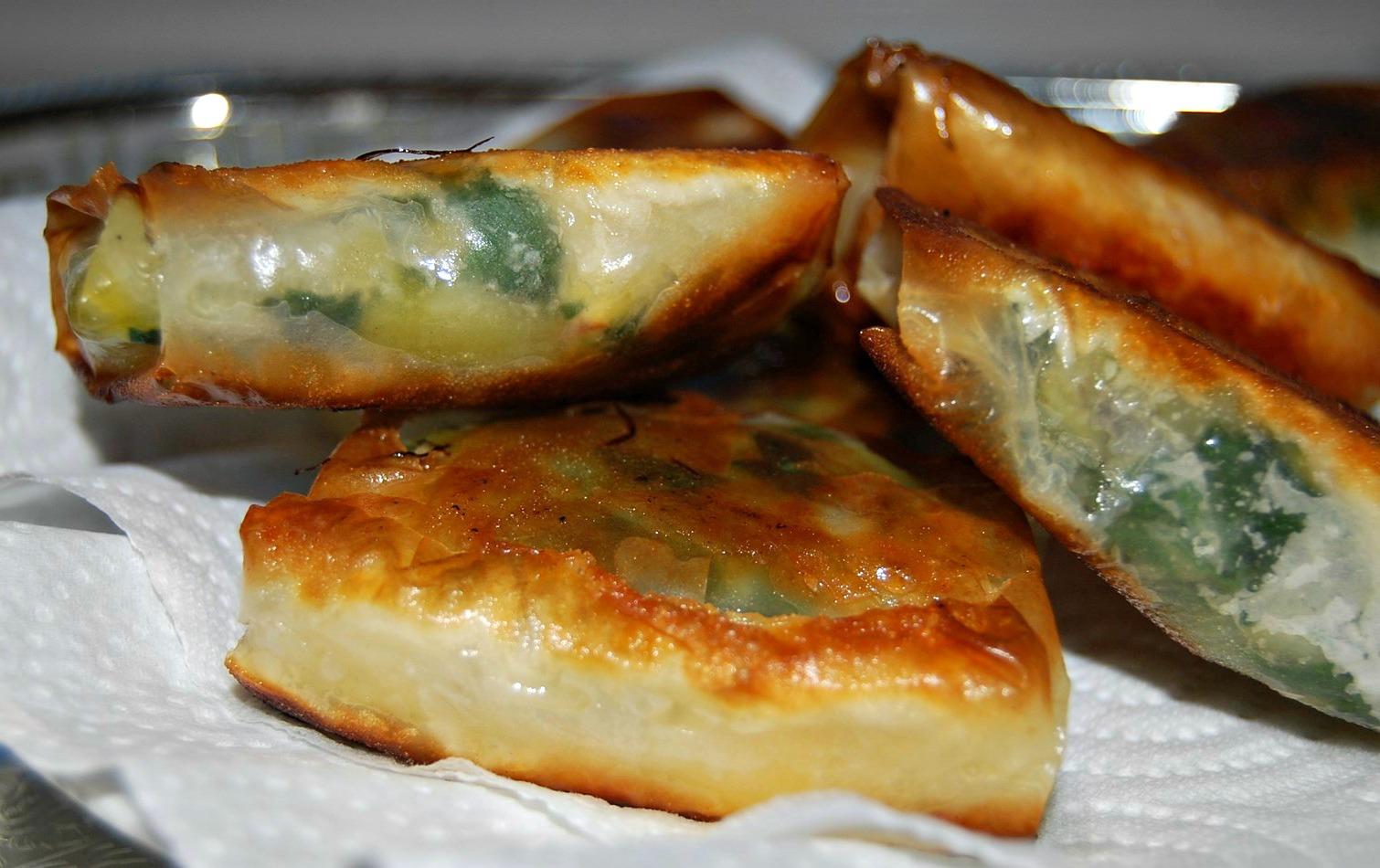 Bricks aux feuilles de blettes kiri jnane sirine - Comment cuisiner des feuilles de blettes ...