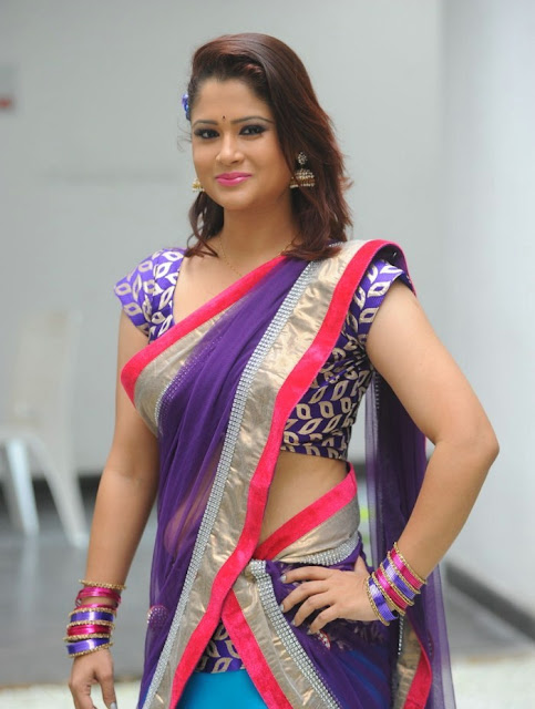 telugu_tv_anchor_shilpa_chakravarthy_photo_shoot_stills-www.chennaifans.blogspot.in+(4)