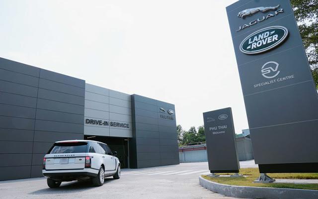 Xưởng dịch vụ rộng rãi và hiện đại đạt tiêu chuẩn toàn cầu của Land Rover