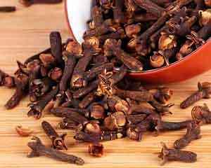Vida e o chá de cravo da índia