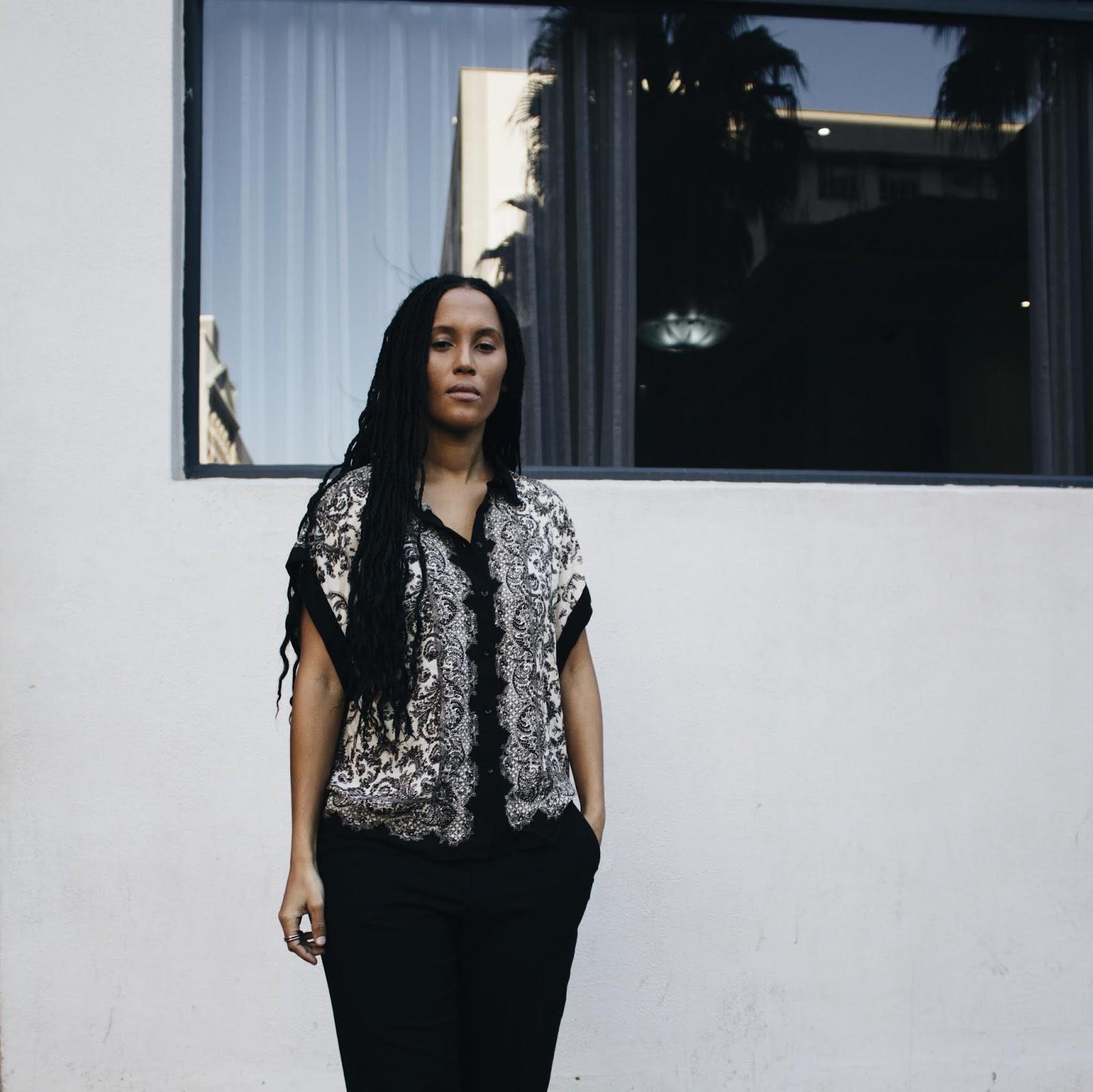 Liezel-Esquire-print-blouse