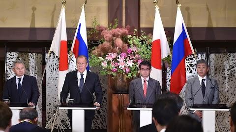 Japán és Oroszország kölcsönösen katonai erejük növelésével vádolja egymást