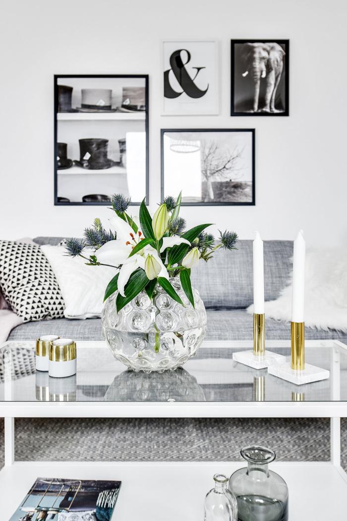 detalle cuadros apartamento decoracion blanco y negro