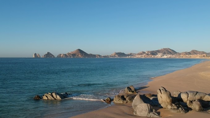 LOS CABOS: All sanitary controls are removed from beaches!