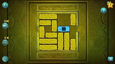 передвигаем кубики и пытаемся вытащить синего цвета